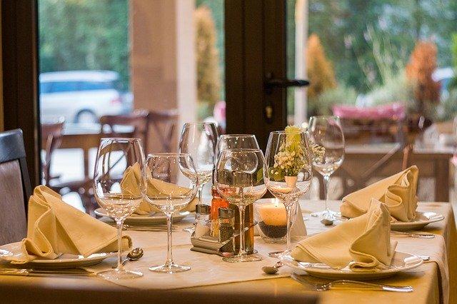 Gastronomie v Krkonoších – restaurace, bary, hospůdky